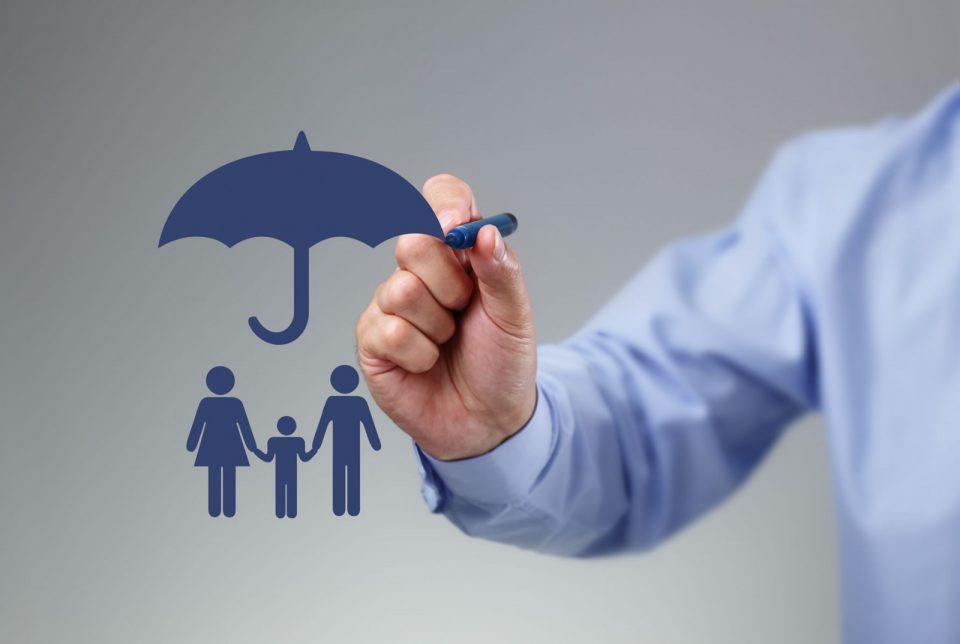 Asuransi Kesehatan Karyawan: BPJS Kesehatan, dari Kantor, atau Beli Asuransi Swasta Sendiri Ya?