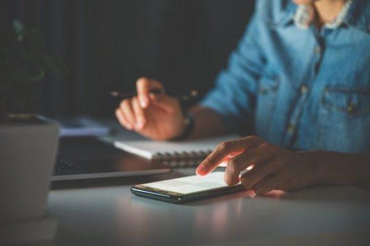 5 Kebiasaan yang Dapat Meningkatkan Keterampilan Mengelola Keuangan Karyawan